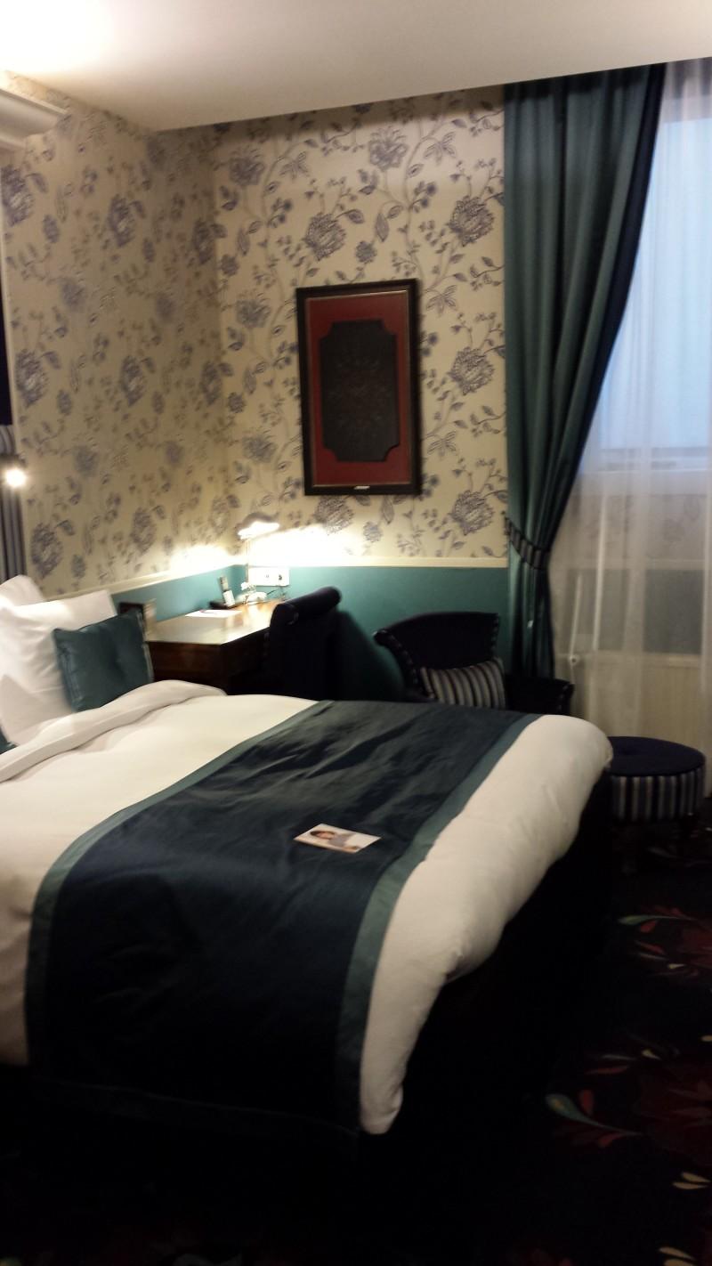 20140928_190155 Carlton Ambassador Hotel