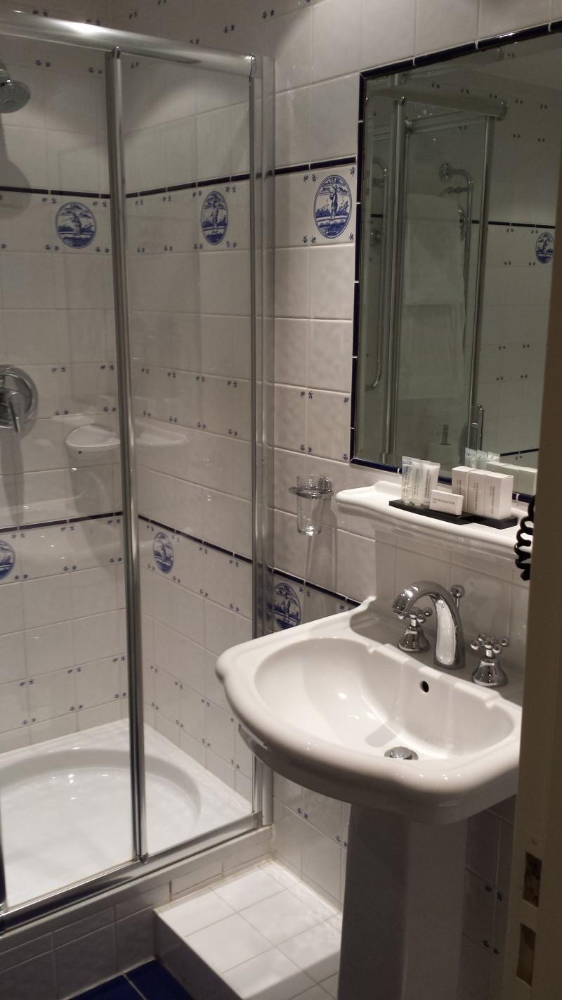 20140928_190207 Carlton Ambassador Hotel