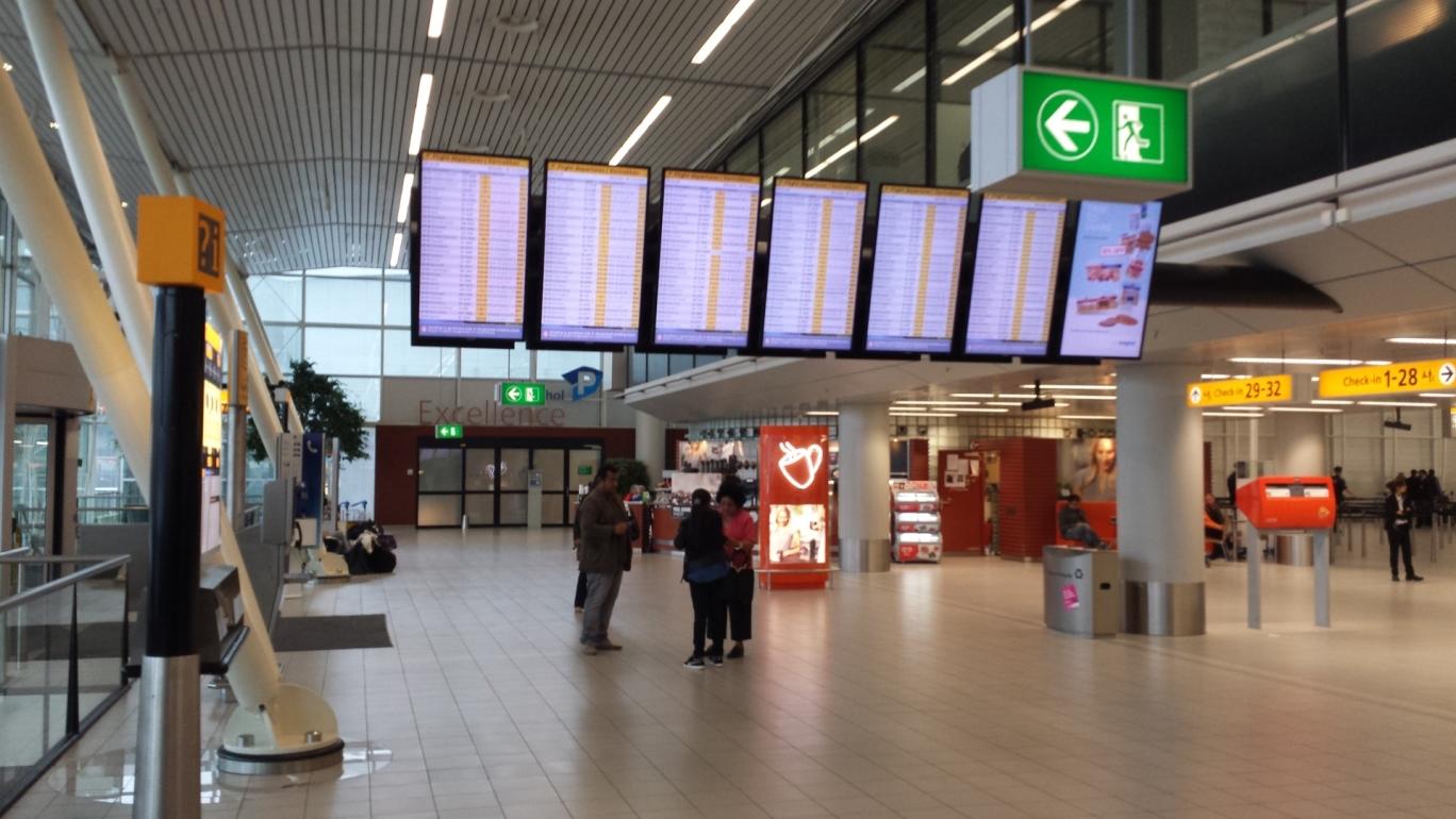 Amsterdam Schiphol Airport 20141006_092228